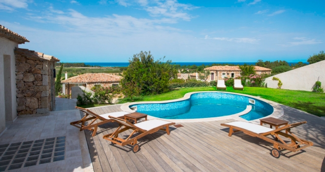 Villas resort immobiliare simius affitti case vacanze for Immobiliare sardegna